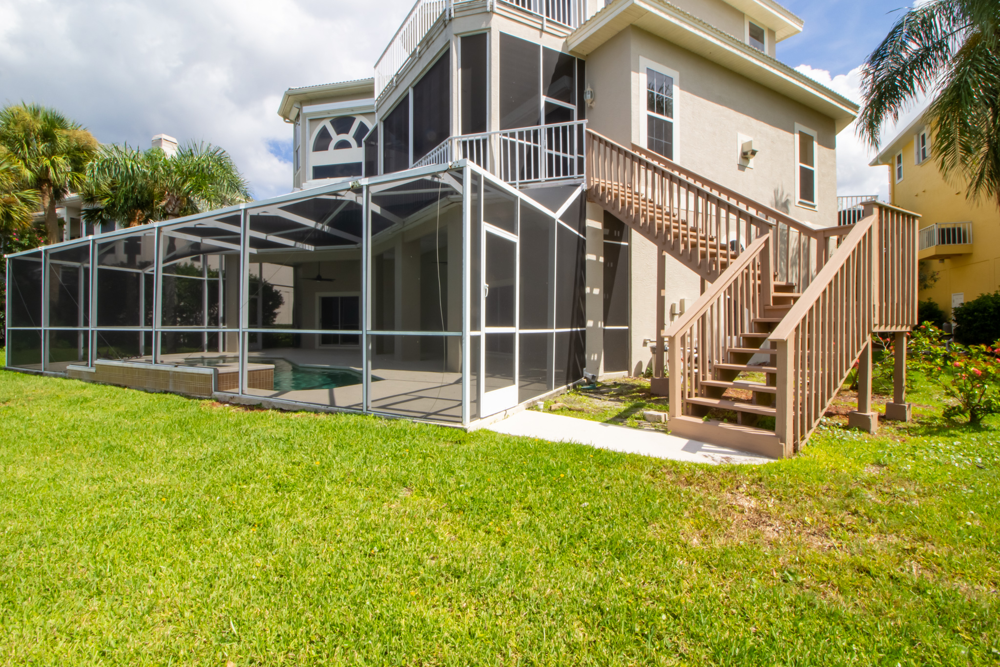 Exterior Real-Estate Photography